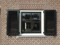 houten louvreluiken raamluiken