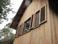 voorbeeld woning houten louvreluiken luik louvre